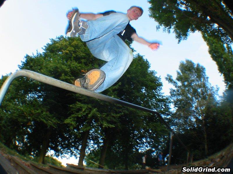 Dunk's 'Take My Shoe Off' Backslide on the Alexandra Park handrail